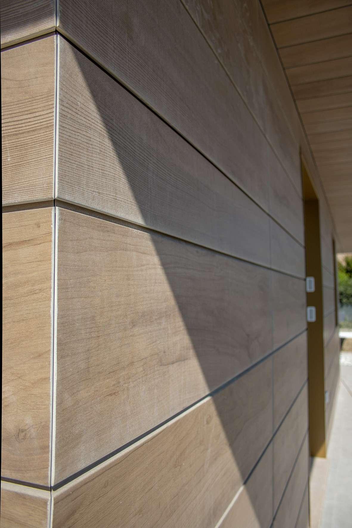 facciata-buchtal-legno